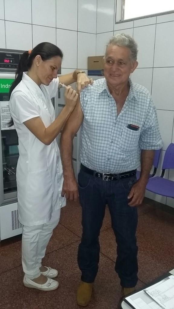 Mais de 600 idosos já foram vacinados