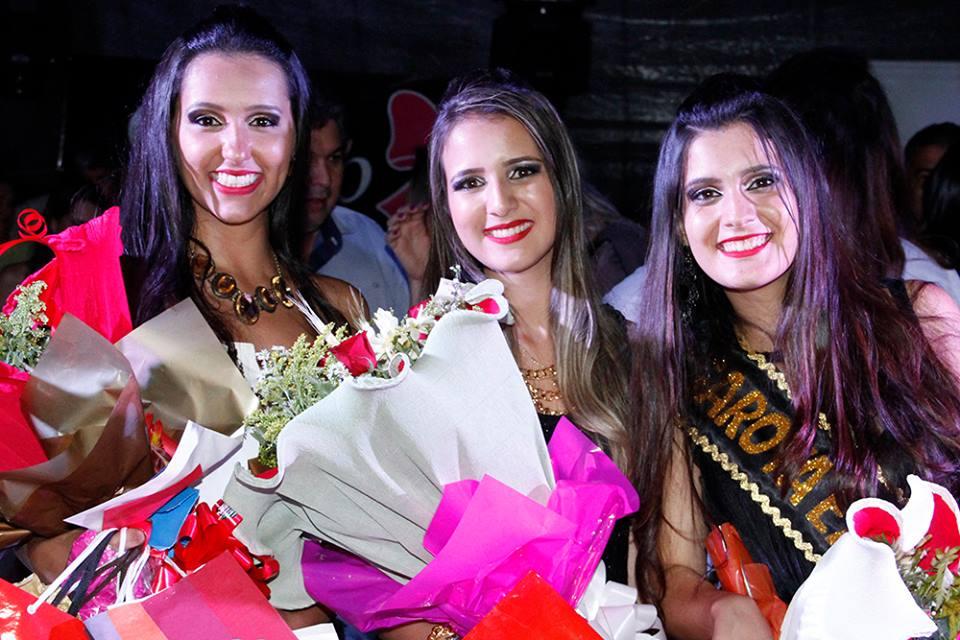 (esq) Lenise Custódio (3º lugar); Sane Takemoto (2º Lugar) e Fernanda Martins (1º Lugar)