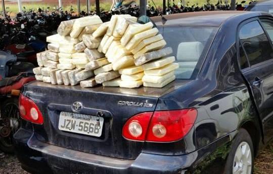 Droga é localizada no interior de veículo que estava apreendido há mais de 8 meses em Iturama