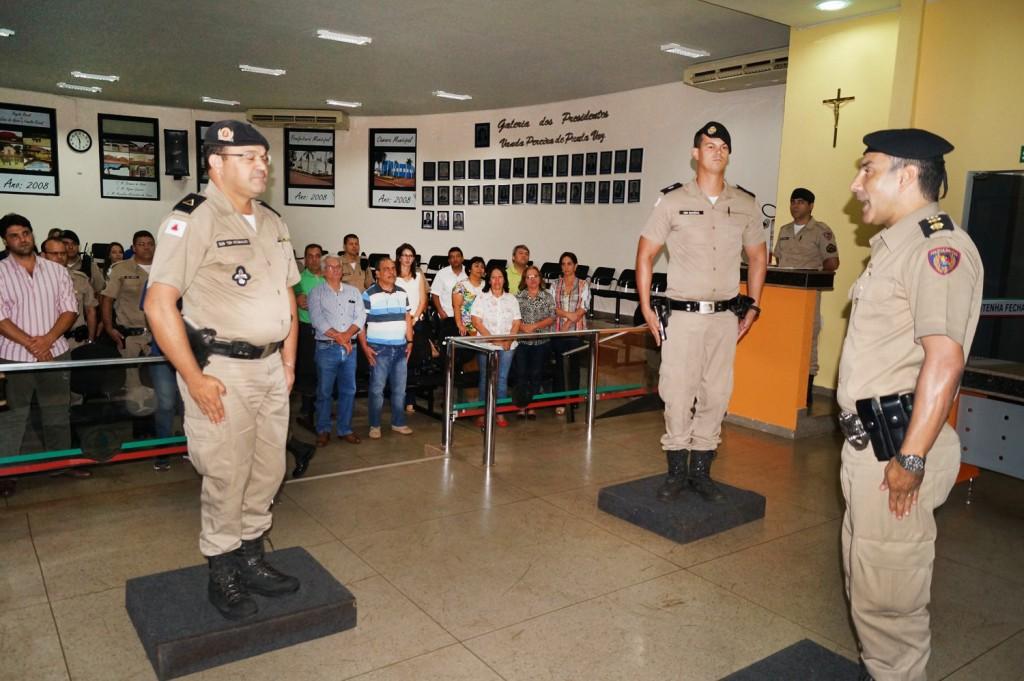 Sub Tenente Reginaldo (esq), Tenente Rogério (centro) e Tenente Coronel