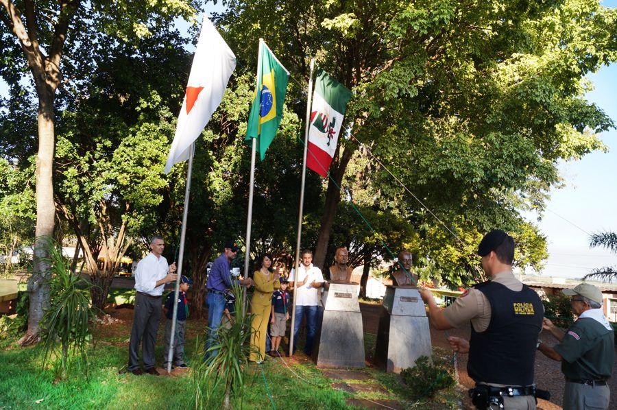Capinópolis faz 61 anos e população comemora com inaugurações