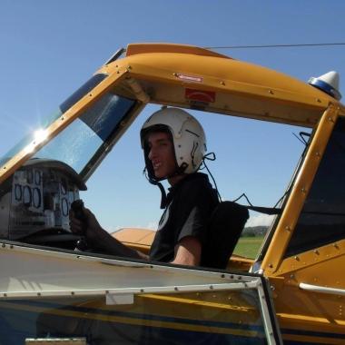 Piloto era apaixonado pela profissão e constantemente publicava fotos voando