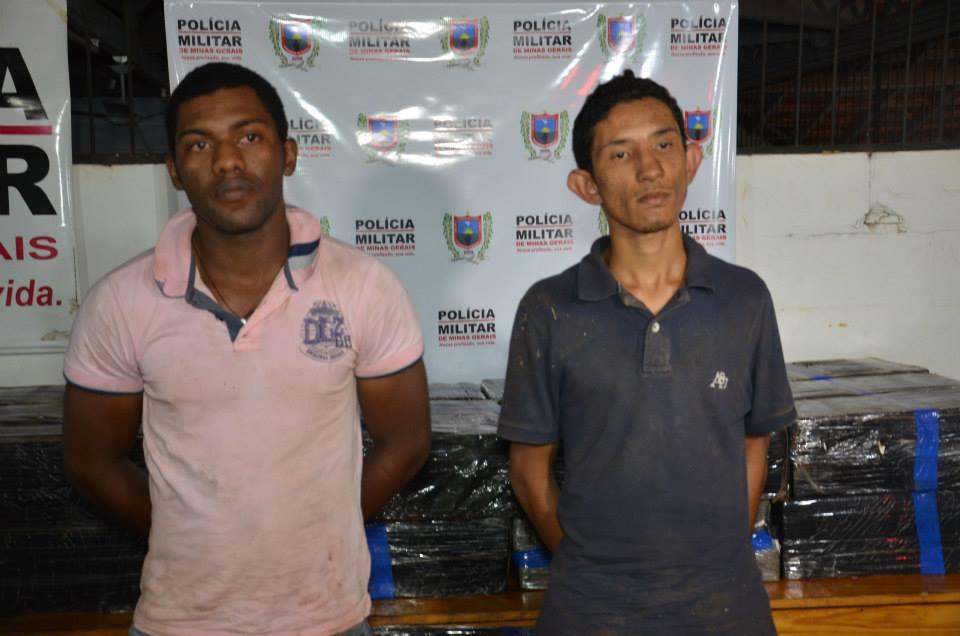 Matheus Martins Nogueira, 19 anos e Cosme Samuel Ferreira Silva, 21, foram presos suspeitos de tráfico de drogas