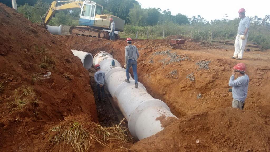 Prefeitura constrói Redes Pluviais no Bairro Morada Nova e Distrito Industrial