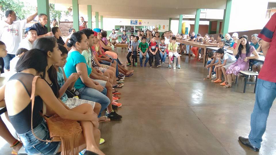 Projeto Amigos do Esporte tem reunião com pais