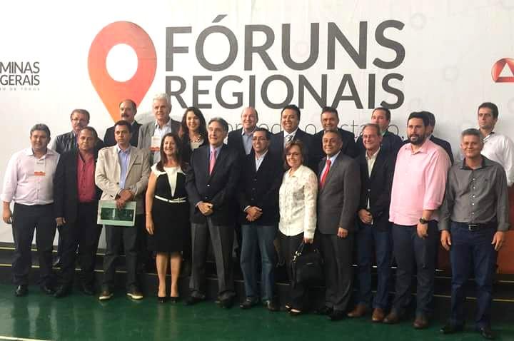 Dinair Isaac presente no Fórum Regional em Uberlândia