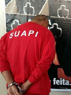 Após depoimento, homem foi para o Ceresp (Foto: Polícia Civil de Juiz de Fora/Divulgação)