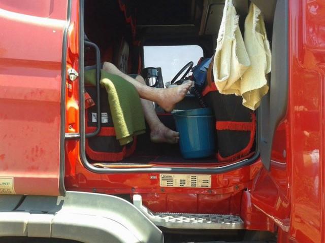 Motorista morre dentro de carreta
