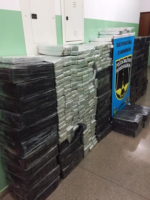 PMR apreende mais de 1.500 quilos de maconha na MS-141, em Ivinhema