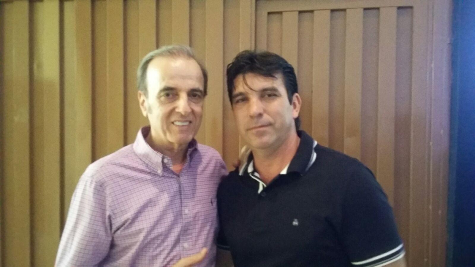 (esq) Henrique Prata e Cleidimar Zanotto