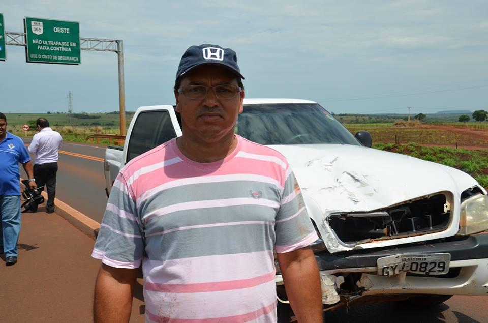 Durante a ação criminosa, a vítima Jurandir Ferreira de Lima, 44 anos, comerciante, foi rendido com uma faca apontada em seu peito e amarrado em sua peixaria.