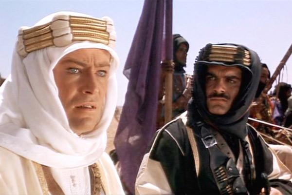 """As atuações dos atores Peter O'Toole (1932-2013) e Omar Sharif (1932-2015) em """"Lawrence da Arábia"""" renderam prêmios e marcaram a história do cinema (Foto: Divulgação)"""