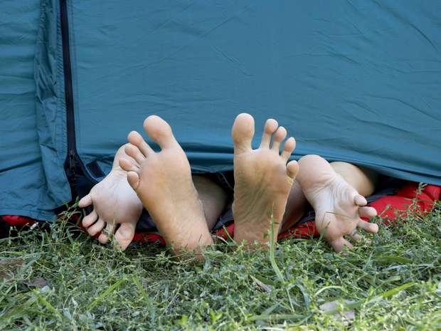 Casal faz sexo durante viagem (Foto: Axel Bernstorff/Cultura Creative/AFP/Arquivo)