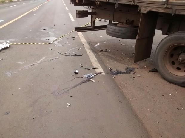 Acidente foi registrado próximo a Celso Bueno, distrito de Monte Carmelo (Foto: Portilho Online)
