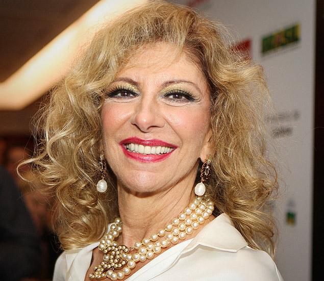 """Marília Pêra na pré-estreia do musical """"Alô Dolly"""", no qual atuou com Miguel Falabella"""