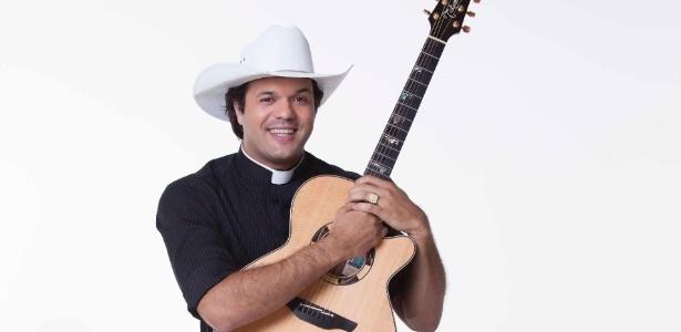 O Padre Alessandro Campos deixa TV Aparecida