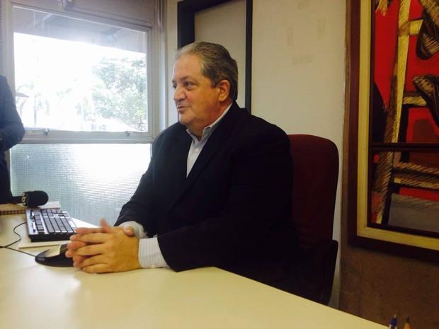 Carlos Diniz acredita que situação se normalize em fevereiro do ano que vem (Foto: Fernanda Resende/G1)