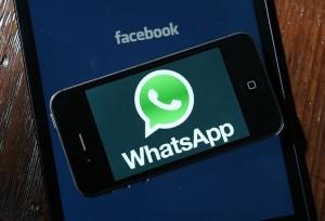 Tela do aplicativo WhatsApp, que permite troca de mensagens e ligações de voz