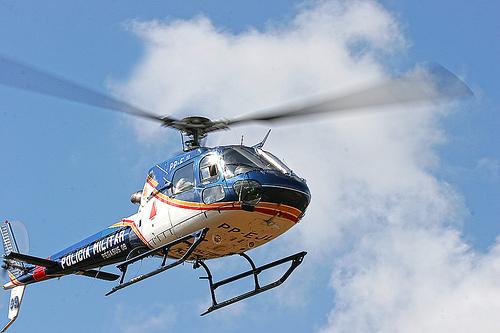 Helicoptero da PC sobrevoou Capinópolis no final da tarde deste sábado (27) em busca dos sequestradores