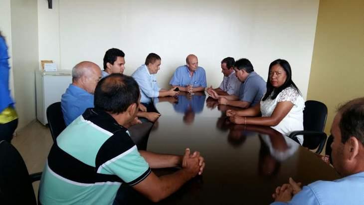 Ipiaçu e Cachoeira Dourada buscam solução para tratamento de esgoto