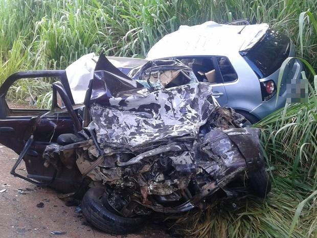 Acidente entre dois carros deixa seis mortos na GO-462, em Goiânia