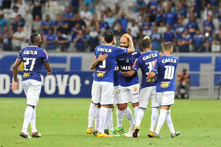 Cruzeiro mostrou poder de criação nesta terça-feira e goleou o Uberlândia por 3 a 0 no Mineirão