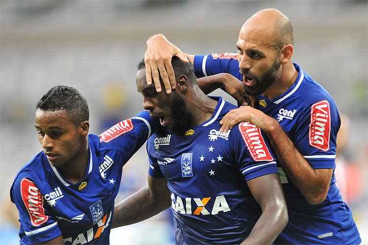 Cruzeiro virou sobre o Villa Nova e garantiu matematicamente sua classificação à semifinal do Mineiro