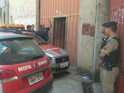 Galpão de distribuidora de peças automotivas é alvo de operação da Receita Estadual (foto: Jair Amaral/EM/D.A/Press)