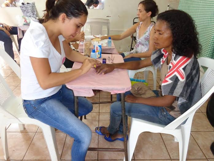 Dia de Beleza no CRAS Canápolis