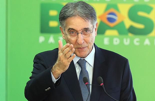 O governador Fernando Pimentel (PT) durante encontro sobre tragédia em Mariana (MG)