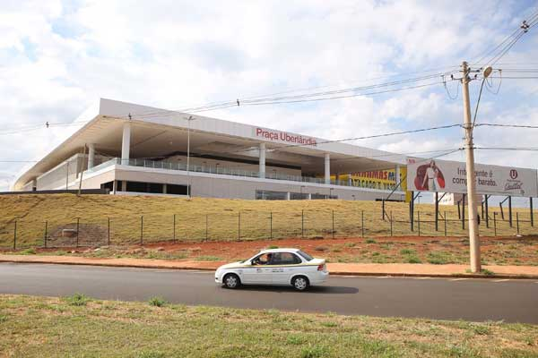 O terceiro shopping de Uberlândia foi anunciado em 2011 (Foto: Celso Ribeiro)