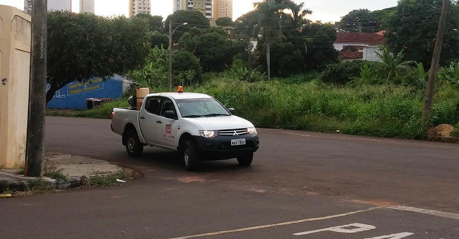 Veículos fumacê têm trabalhado em locais estratégicos pela cidade