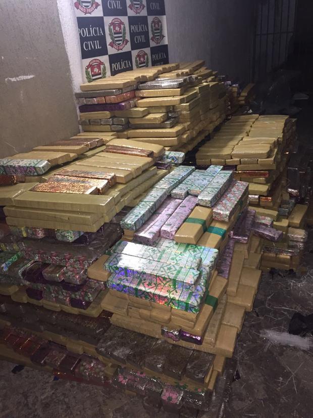 Polícia Civil apreende mais de quatro toneladas de maconha em Guarujá (86 km de litoral)