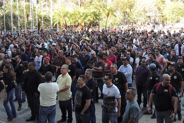 A paralisação afeta o serviço de, aproximadamente, 300 servidores da comarca de Uberlândia (Foto: Sindpol/Divulgação)