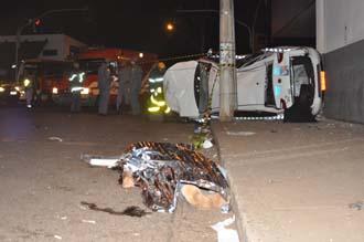 Criminoso morreu na hora após o acidente. Classic ficou completamente destruído