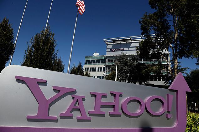 Logotipo do Yahoo! na sede da empresa, em Sunnyvale, Califórnia