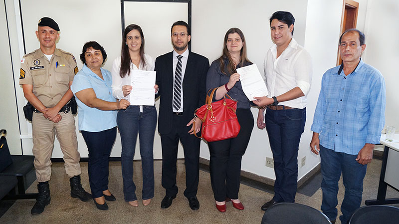 (esq) Sargento Ricardo, Maria Lenice, Iana Balduíno, Dr. Thales Cazonatto, Dra. Maria Carolina, José Tonaco e Sérgio Marcos