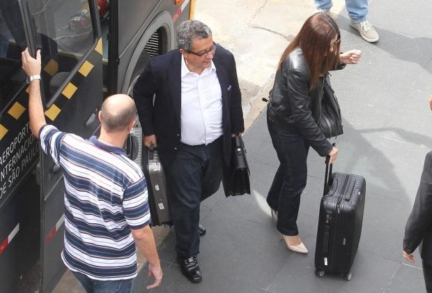 Tanto Santana quanto Mônica estão proibidos pela Justiça de atuar de qualquer campanha eleitoral no Brasil até nova deliberação.
