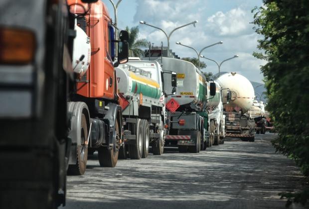 Pode faltar combustível no Estado nos próximos dias durante a interrupção dos serviços