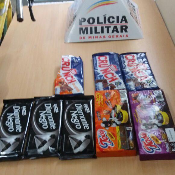 Produtos furtados no supermercado / Foto: PMMG