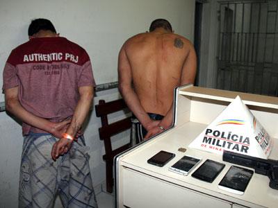Dois suspeitos, sendo um de participar diretamente do crime e outro de ter recebido os produtos do roubo, foram presos