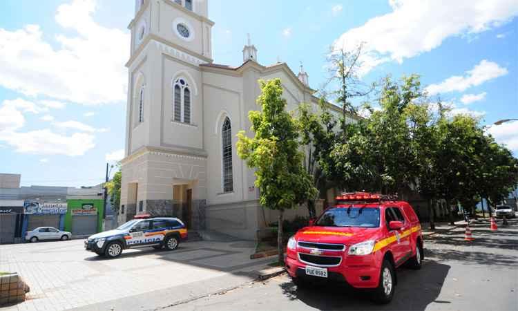 Acidente aconteceu durante a missa na manhã de domingo (foto: Gladyston Rodrigues/EM/DA Press)