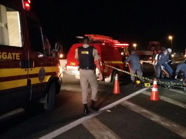 Acidente aconteceu próximo a Ceasa na BR-050 (Foto: Valéria Almeida/ G1)