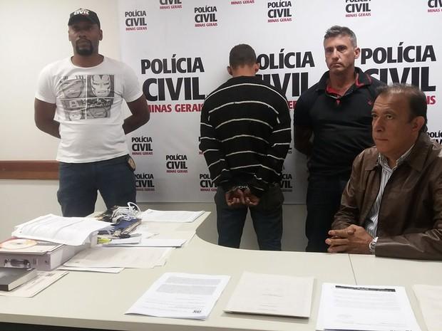 Rapaz de 20 anos foi detido e levado para penitenciária (Foto: Mariana Dias/G1)
