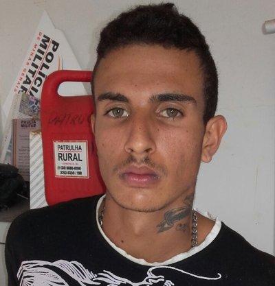 Cleber Tomaz Santos Filho é suspeito de tráfico de drogas