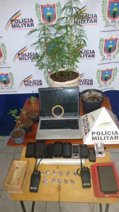 Material apreendido em Santa Vitória / Foto: PMMG