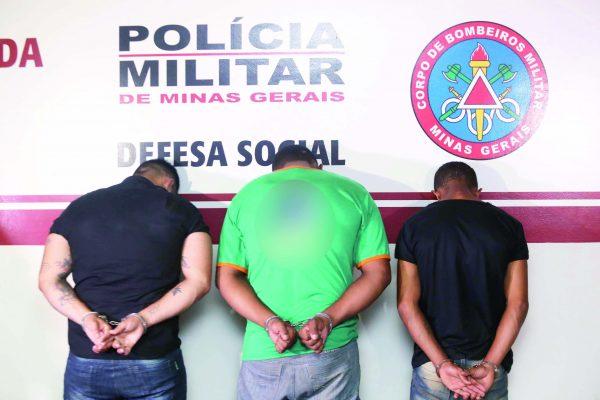 Homem à esquerda é o principal suspeito do assassinato de dentista (Foto: Celso Ribeiro)