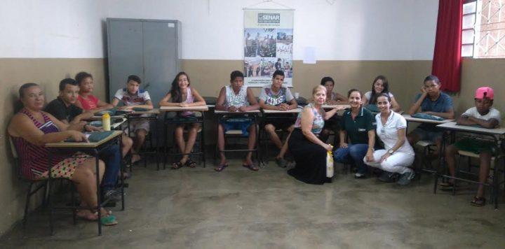 Curso de higiene bucal é realizado no CRAS Natal