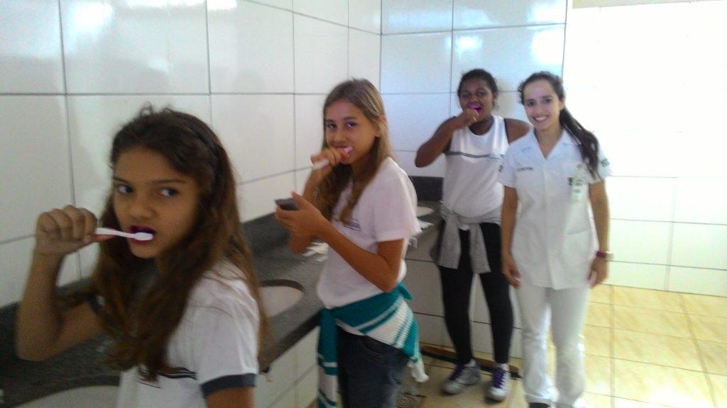 Saúde Bucal é tema de curso na Escola Governador Juscelino