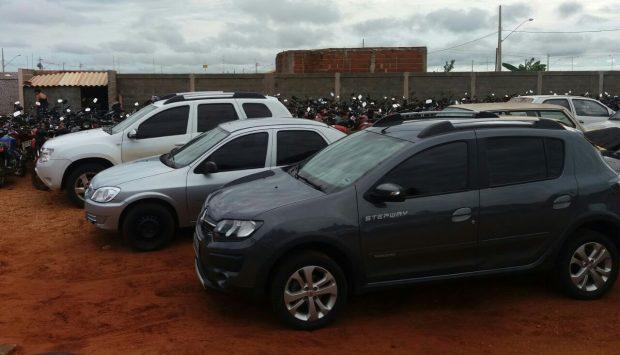Veículos apreendidos pela Polícia Civil em Santa Vitória / Foto: PCMG